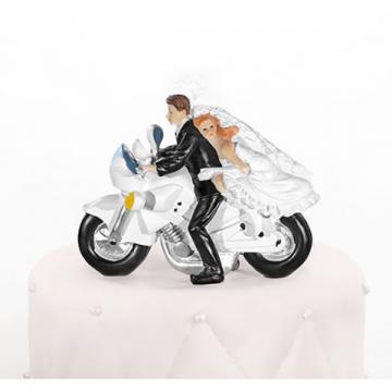 Couple mariés sur moto